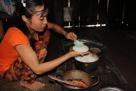 Hang tram ho dan bi co lap tai ron lu Tan Hoa dang co ro vi lanh - Anh 7