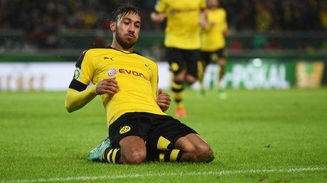 Aubameyang no sung, Dortmund cham dut chuoi ngay u am - Anh 1
