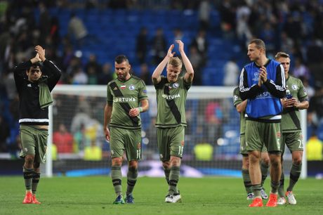 Cho nghiep vu bao vay san Bernabeu, Real de bep Legia trong ngay Ronaldo tit ngoi - Anh 10