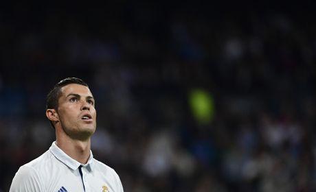Cho nghiep vu bao vay san Bernabeu, Real de bep Legia trong ngay Ronaldo tit ngoi - Anh 7