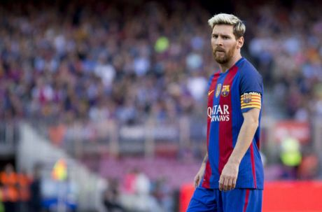 Doi hinh ket hop Barca - Man City: Mau xanh lep ve - Anh 10