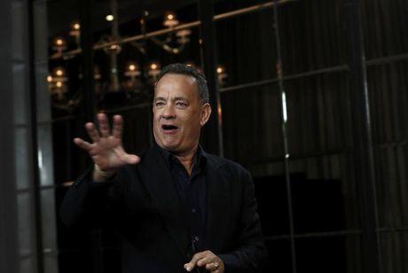 Vo chong Tom Hanks thang kien hai to bao la cai - Anh 2