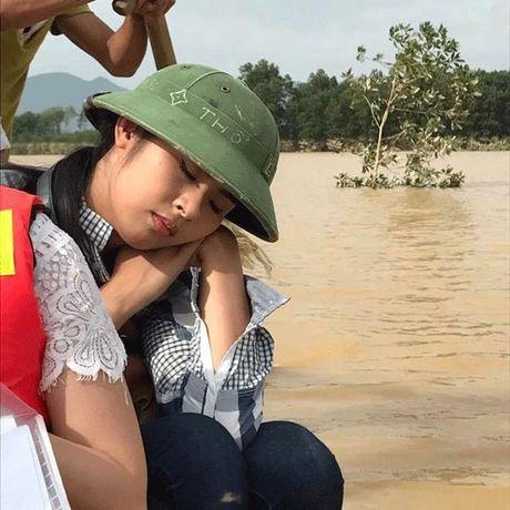Khoanh khac dang tu hao trong cuoc doi nghe si cua Ha Ho, MC Phan Anh - Anh 8