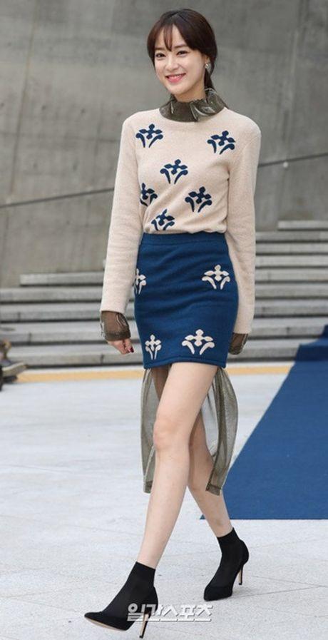 Na Eun nam tinh, Kim So Hyun gia dan tai Seoul Fashion Week - Anh 10
