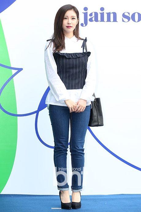 Na Eun nam tinh, Kim So Hyun gia dan tai Seoul Fashion Week - Anh 8