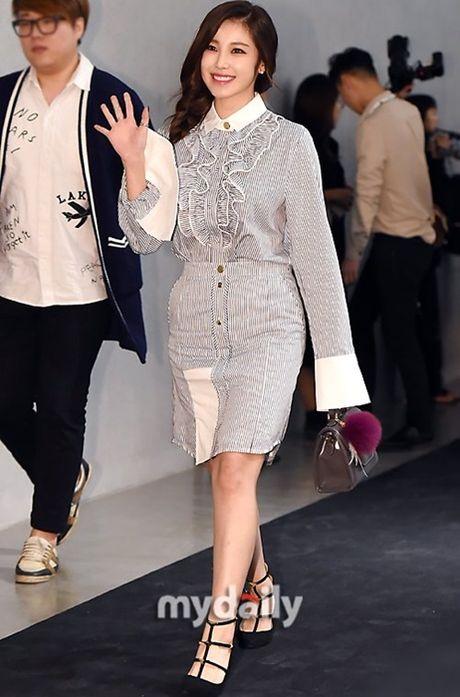 Na Eun nam tinh, Kim So Hyun gia dan tai Seoul Fashion Week - Anh 9
