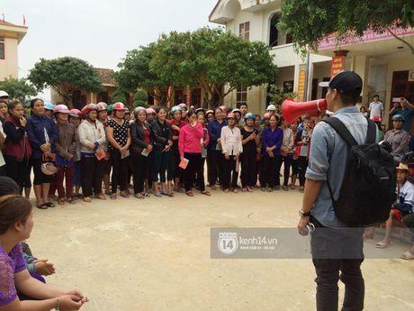 Hang trieu nguoi dan cam dong 'rung rung nuoc mat' truoc tam long 'bo tat' cua MC Phan Anh - Anh 5