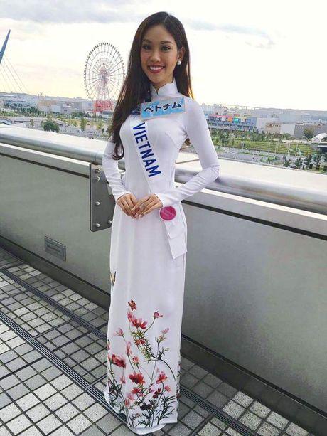 Phong cach thoi trang gian di cua Phuong Linh o Hoa hau Quoc te 2016 - Anh 3