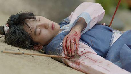 Nguoi tinh anh trang tap 16: Ac mong thanh hien thuc, Lee Jun Ki chem chet em trai - Anh 3