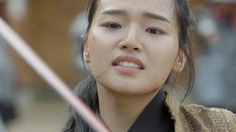 Nguoi tinh anh trang tap 16: Ac mong thanh hien thuc, Lee Jun Ki chem chet em trai - Anh 5