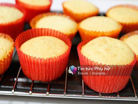 Lam banh cupcake hoa hong tang me 20-10 - Anh 5