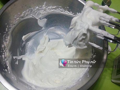 Lam banh cupcake hoa hong tang me 20-10 - Anh 6