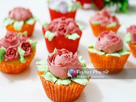 Lam banh cupcake hoa hong tang me 20-10 - Anh 8