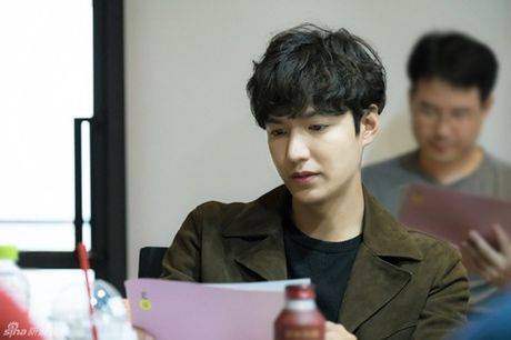"Lee Min Ho than tho ngong bien, mo ve ""nguoi tinh kiep truoc"" Jeon Ji Hyun - Anh 5"