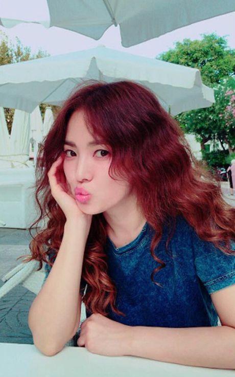 Ngoi sao 24/7: Song Joong Ki bi mat to chuc sinh nhat cho Song Hye Kyo - Anh 2