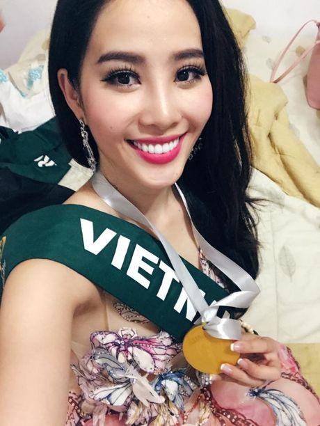 Nam Em gianh giai Bac trong phan thi Tai nang tai Hoa hau Trai Dat 2016 - Anh 1