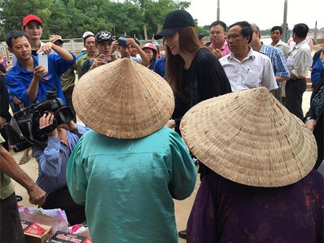 Pham Huong, Thu Thao: Da dep roi thi mac style don gian den may cung la dinh cao nhan sac - Anh 2