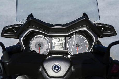 Trinh lang tay ga Yamaha X-MAX 300 2017 hoan toan moi - Anh 9