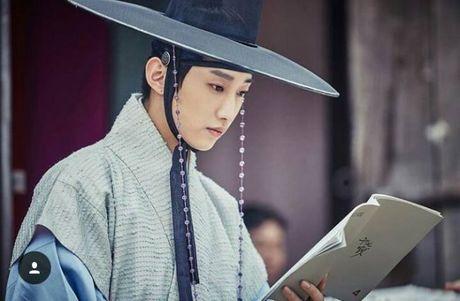 Sau tat ca, nam thu Kim Yoon Sung chinh la nguoi bat hanh nhat! - Anh 7