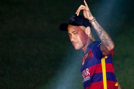 Doi hinh trong mo ket hop giua Barcelona va Man City - Anh 9