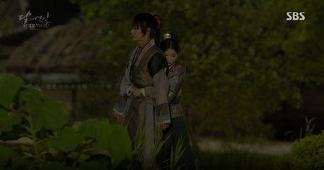 Moon Lovers: 'Muoi' Baekhyun chinh thuc nhan cat-xe ve nha! - Anh 14