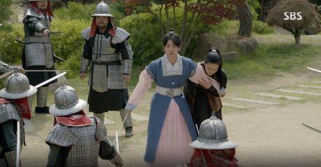 Moon Lovers: 'Muoi' Baekhyun chinh thuc nhan cat-xe ve nha! - Anh 1
