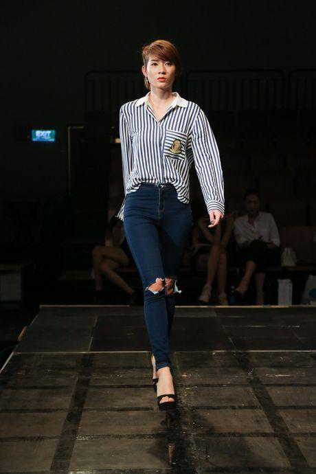 Minh Tu dien quan tut lo han underwear, chi dao Phi Phuong Anh tap catwalk - Anh 12