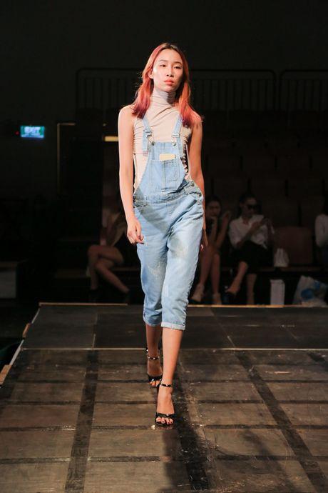 Minh Tu dien quan tut lo han underwear, chi dao Phi Phuong Anh tap catwalk - Anh 15