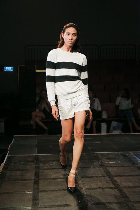 Minh Tu dien quan tut lo han underwear, chi dao Phi Phuong Anh tap catwalk - Anh 9