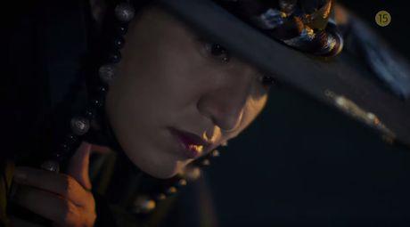 Lee Min Ho bo vo giua bien, tien ca Jeon Ji Hyun boi loi tung tang - Anh 12