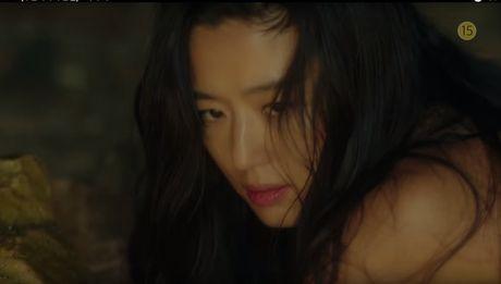 Lee Min Ho bo vo giua bien, tien ca Jeon Ji Hyun boi loi tung tang - Anh 5