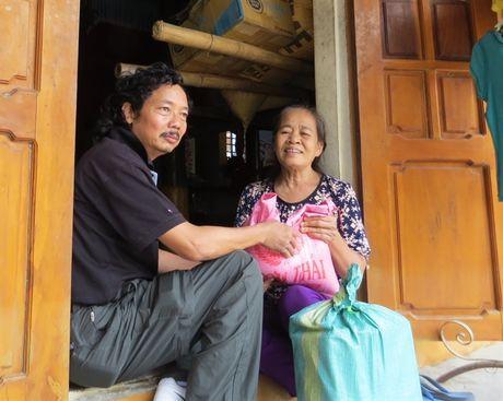 Chung suc cung ba con vung lu Quang Binh - Anh 1