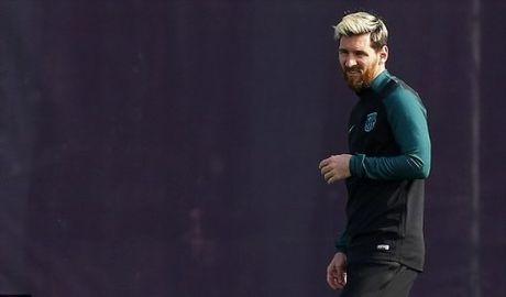 Guardiola: 'Biet dau mot ngay nao do Messi se muon con cai hoc tieng Anh...' - Anh 2