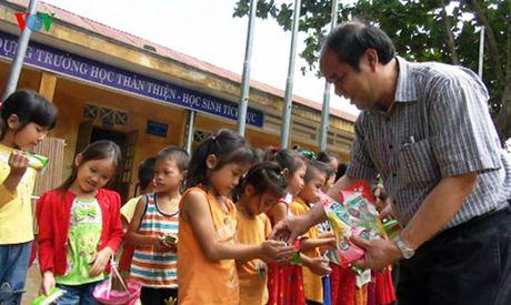 Quy Tam long Vang ho tro nguoi dan vung lu Quang Binh - Anh 2