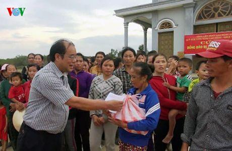 Quy Tam long Vang ho tro nguoi dan vung lu Quang Binh - Anh 3