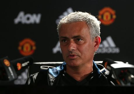 Mourinho: O MU, khong ai la khong the dong den - Anh 1