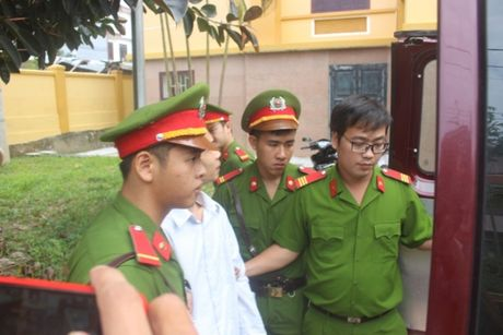 Tu hinh ke giet vo o Binh Duong, ve Quang Tri giet tinh dich - Anh 4