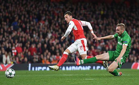 Arsenal 6–0 Ludogorets: Oezil lap hat-trick, 'Phao thu' dai thang kieu tennis - Anh 6