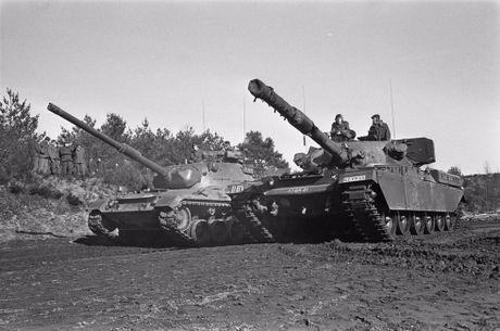 Lý do siêu tăng Chieftain Anh thảm bại trước Leopard 1 Đức