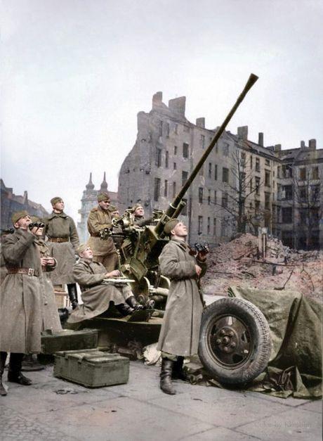 Ảnh màu binh sĩ Liên Xô trong Chiến tranh thế giới 2
