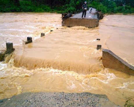 9 người chết và mất tích do mưa lũ ở miền Trung