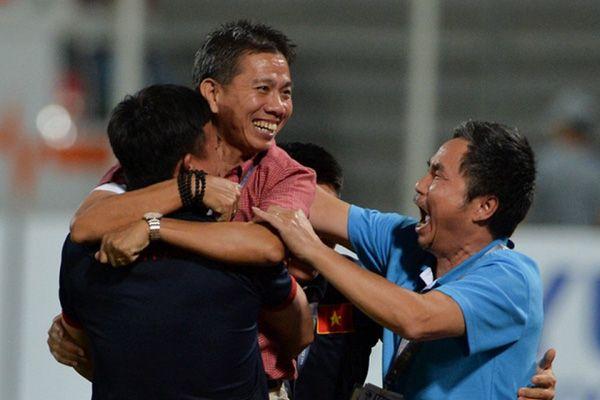 Thuyền trưởng U19 Việt Nam: Những điều khó có thể yêu!