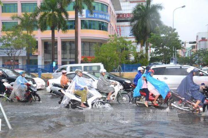 Đêm nay, Nam Bộ mưa lớn, nguy cơ dông lốc